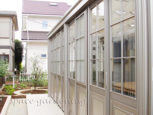 ナチュラルリフォーム庭 ガーデンルーム LIXIL TOEX 暖蘭物語
