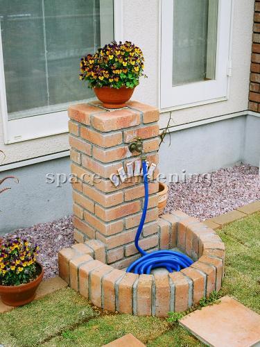 ナチュラル新築庭 立水栓 レンガ製
