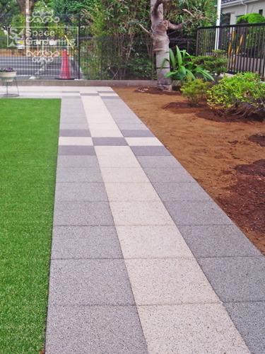 アプローチ コンクリート平板 オールラウンドペイブ 人工芝
