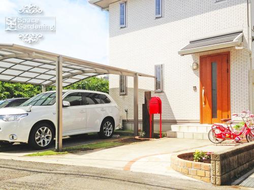 シンプルリフォーム外構 オープン シンプル 門まわり カーポート 駐車場