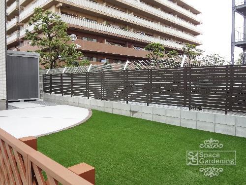 庭 人工芝 目隠しフェンス