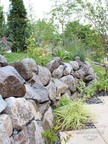 石垣 自然石 植栽
