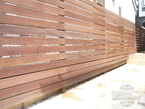 境界フェンス 高級木材 ウリン材