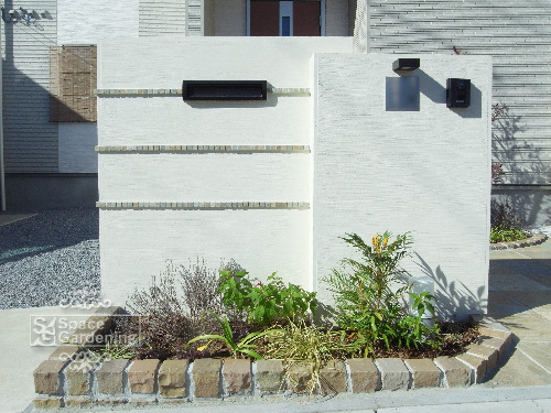 門柱 塗装 植栽