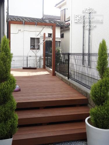 ナチュラル新築庭 ウッドデッキ ブランコ 天然木材 ウリン材