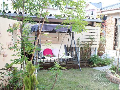洋風ガーデン 天然芝