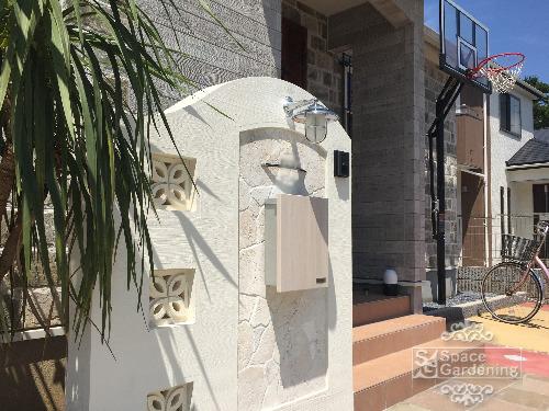 門柱 石貼り 琉球石灰岩 ストーンレリーフ