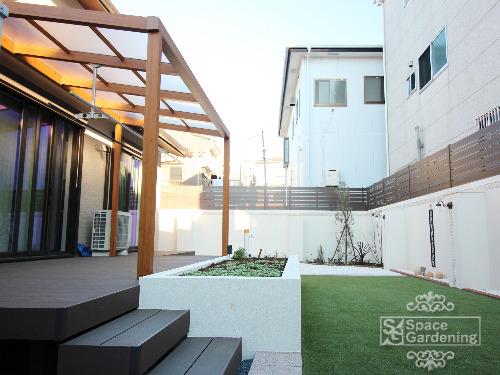 庭 シンプル テラス屋根 タカショー ポーチテラス