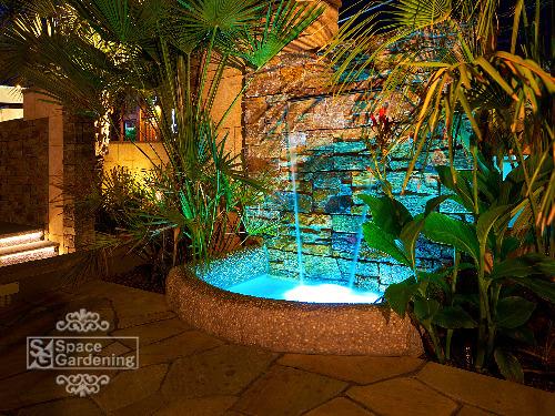 壁泉 照明 ライティング