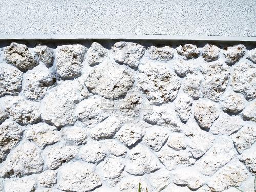琉球石灰岩 バリ風 リゾート 目隠し塀